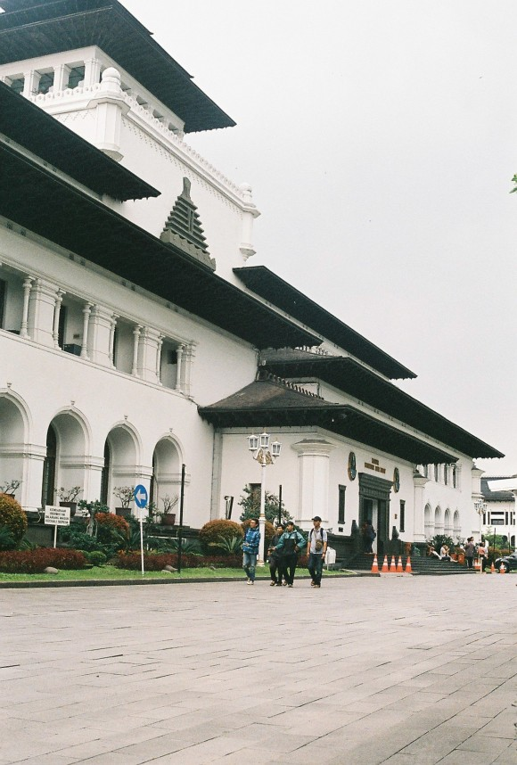 gedung sate yashica lynx 14e