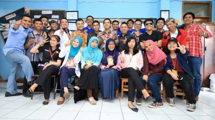 Relawan Kelas Inspirasi Komplek SDN Awi Gombong. Foto: Fahmi Rizkia