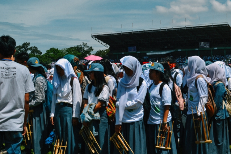 angklung for the world adek sma