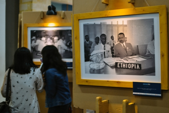 pameran foto bandung 1955 pengunjung