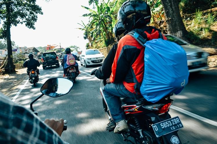 ekspedisi momotoran aleut jalan raya pos sumedang