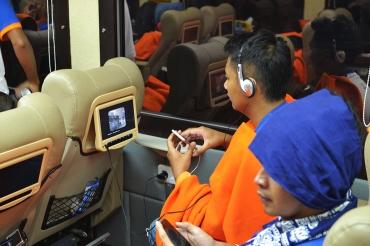 kereta api wisata priority tempat duduk lcd