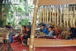 saung angklung udjo wayang golek