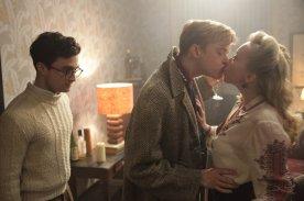 kill-your-darling-daniel-radcliffe-kiss-scene