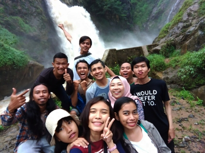 air terjun nyogong