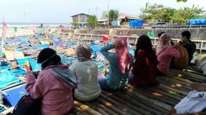 pantai jayanti pelabuhan nelayan komunitas aleut