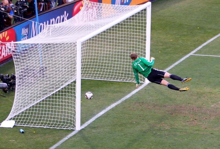 on06-jun-world-cup-lampard-ghost-goal-2010