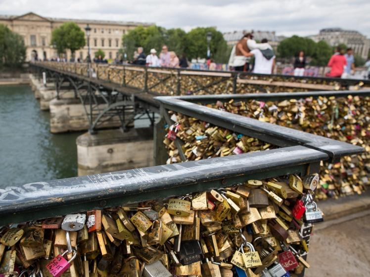 paris-bridge-1024