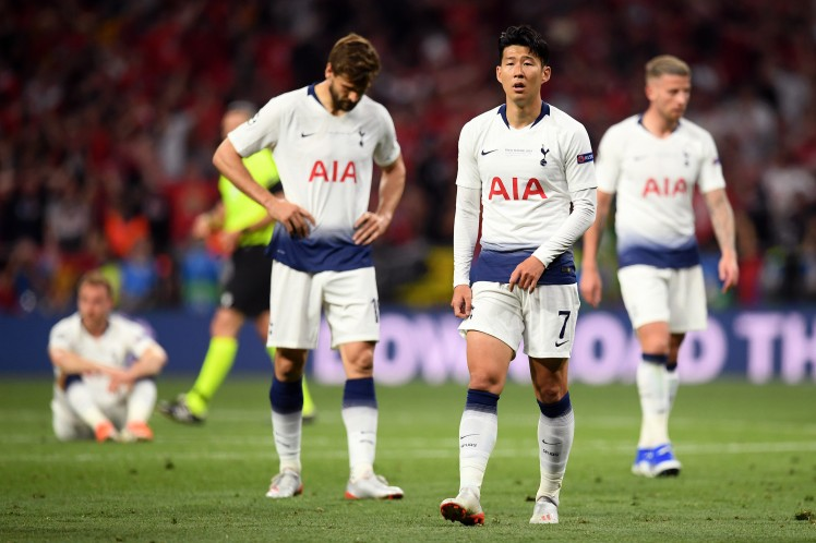 champions-league-result-west-ham-united-aim-cheeky-dig-at-tottenham-hotspur-after-losing-to-liverpool
